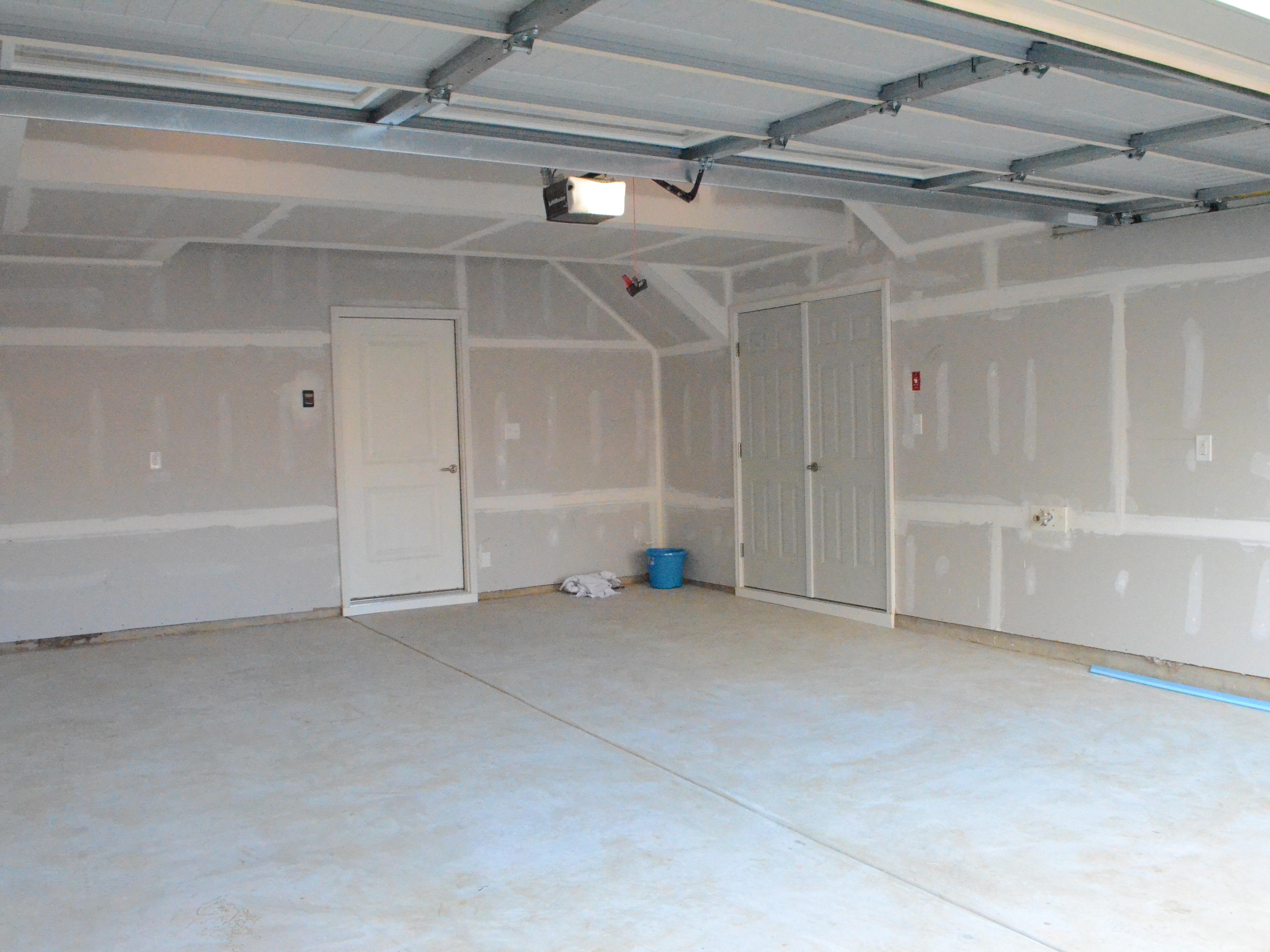 Garage cropped